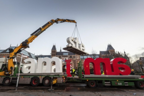 Cult inscription dismantled in Amsterdam