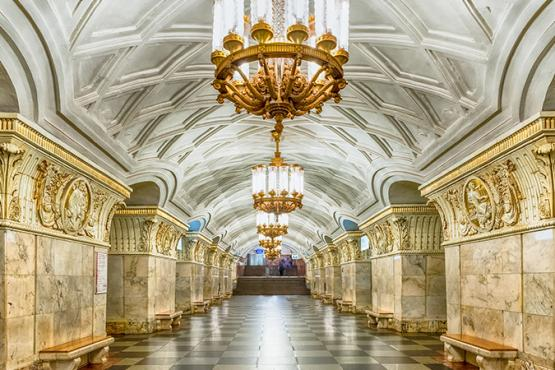 Moscow metro. Nice to meet you !