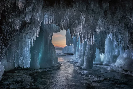 Russia is beautiful, and one of a kind-Lake Baikal .